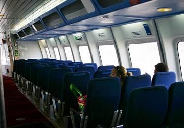 balearia_maverick_dos_seating_area