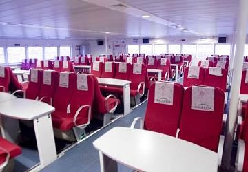 balearia_nixe_seating_area