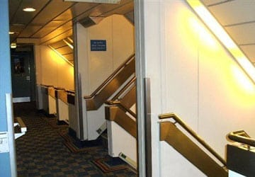 po_ferries_pride_of_bruges_stairwell