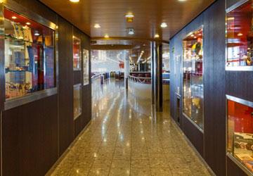 trasmediterranea_forza_hallway
