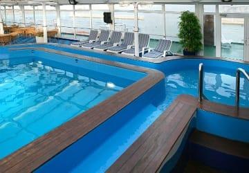trasmediterranea_juan_j_sister_swimming_pool