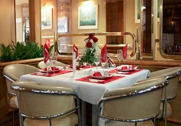 ventouris_ferries_bari_restaurant